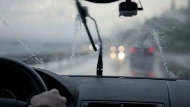 Thời tiết xấu gây ảnh hưởng rất nhiều tới các phương tiện giao thông
